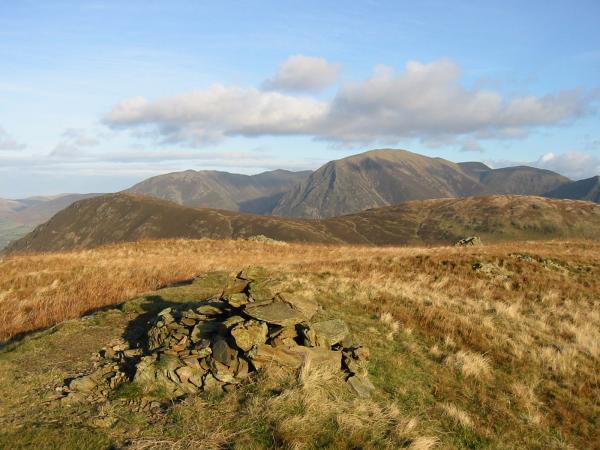 Mellbreak with Grasmoor behind from Hen Comb summit