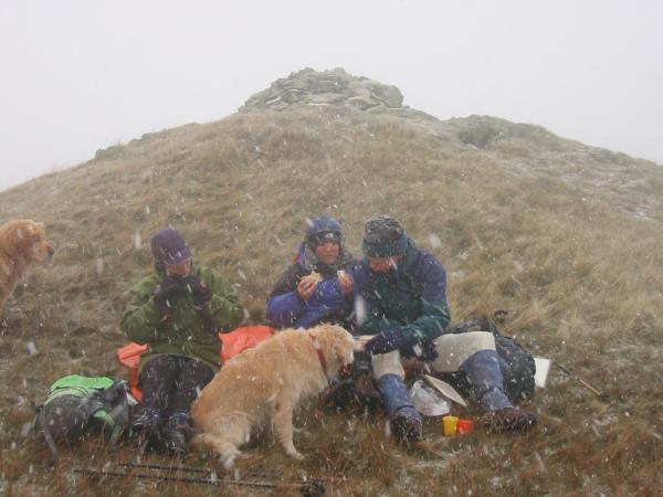 Lunch break at Arthur's Pike summit