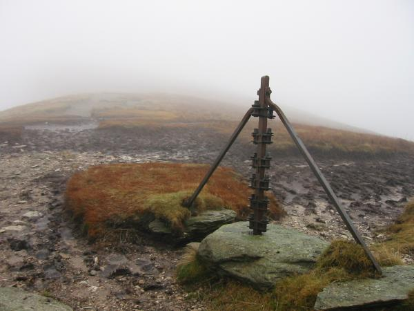 Old fence post on the ridge between Yoke and Ill Bell