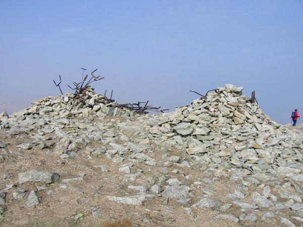 Harter Fell's northeastern (lower) summit cairn