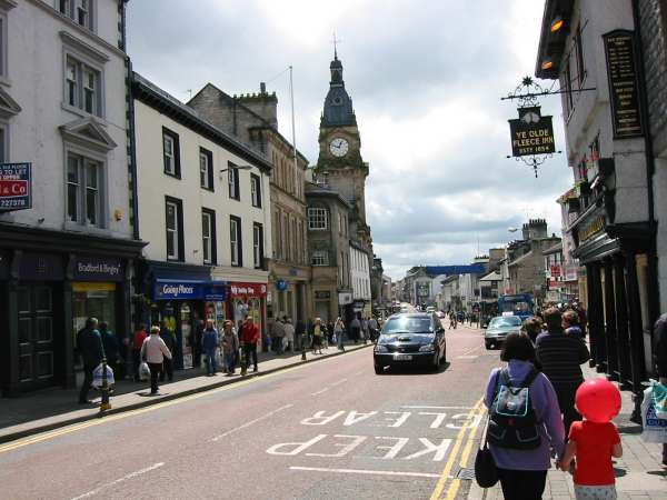 Highgate, Kendal and the Town Hall