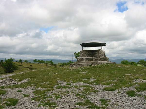 The shelter, Scout Scar