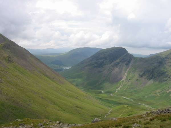 Looking back into Mosedale with Yewbarrow centre and the Dore Head screes obvious