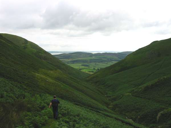 Descent to Whitecombe Beck