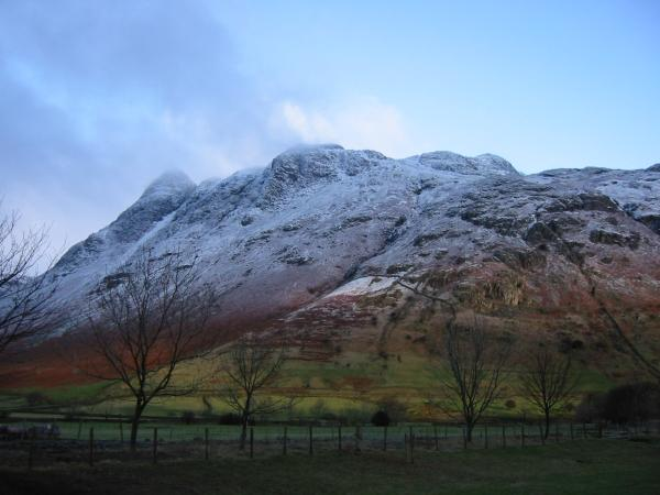 The Langdale Pikes from the road to Stool End