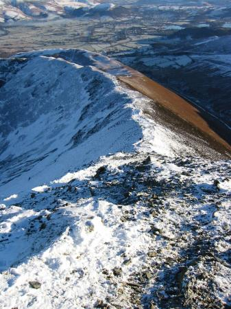 Looking down the top section of the ridge to Sleet How from Grisedale Pike