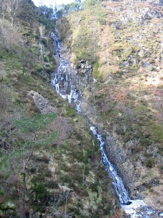 Semi frozen waterfalls in Launchy Gill