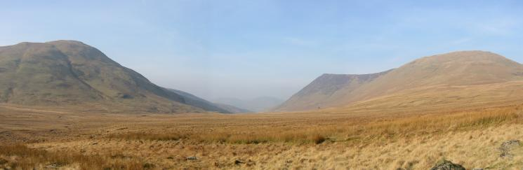 Mosedale with Hen Comb on the left and Mellbreak on the right