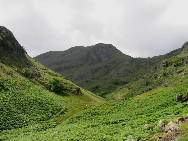 Dove Crag at the head of Dovedale