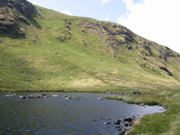 The route up on to the ridge from the tarn