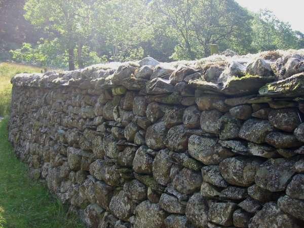 Stone wall near Stonethwaite