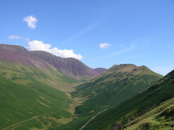 Sail Beck and Knott Rigg from the ascent of High Snockrigg