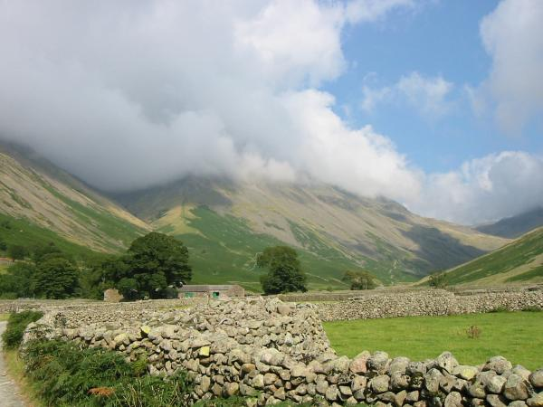 Looking back towards Great Gable with its south face still in cloud