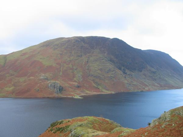 Mellbreak seen across Crummock Water
