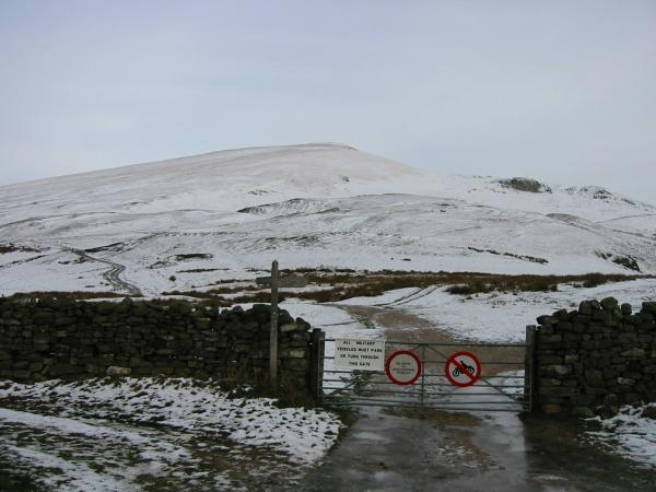 Murton Pike from the start of the walk