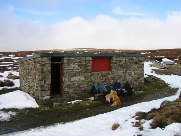 Lunch at the shooting box near Great Rundale Tarn