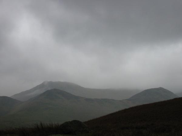 Causey Pike behind Stile End and Outerside on the right from Kinn