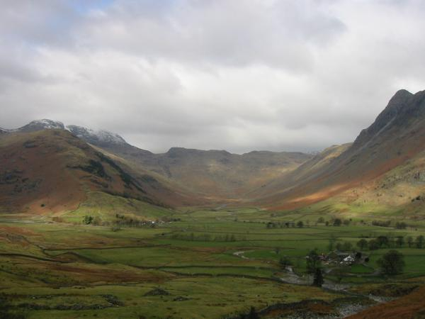 Mickleden with The Band leading to Bowfell on the left, Rossett Pike at its head and Pike O' Stickle on the right