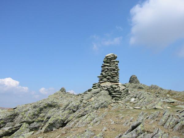 Ill Bell's three large summit cairns