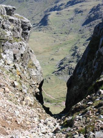 Looking down Central Gully, Great End to the path by the top of Ruddy Gill, 850ft below