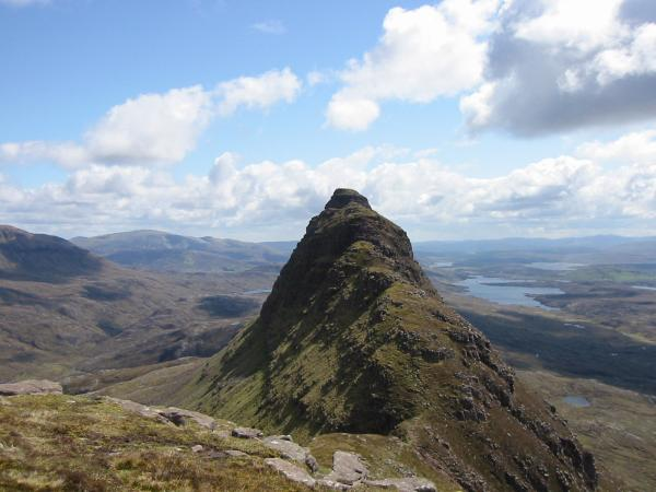 Looking east to Suilven's eastern top, Meall Meadhonach, at 723m its 8m lower than the west top.