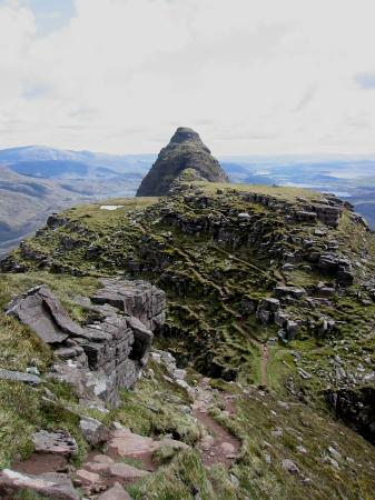 The ridge route as we head back to Bealach Mor