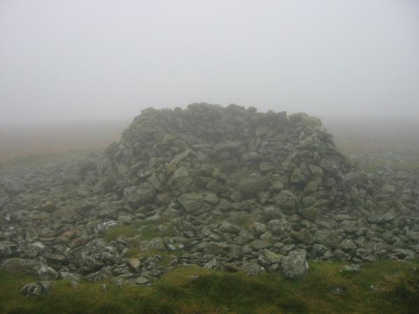 Selside Pike's summit shelter/cairn