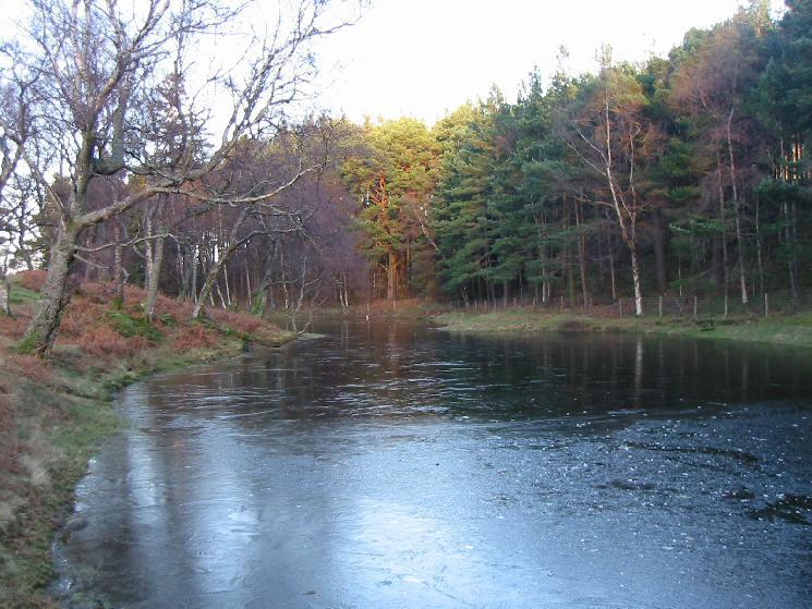 Lanty's Tarn, semi-frozen