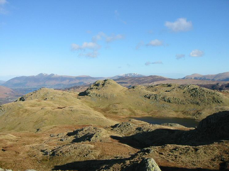 Looking back north to Bessyboot's summit from the route up to Rosthwaite Cam