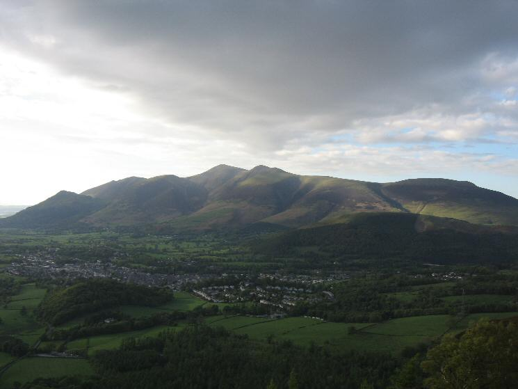 Keswick with Dodd, Long Side, Carl Side, Skiddaw, Skiddaw Little Man and Lonscale Fell behind from Walla Crag's summit
