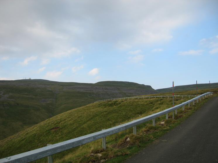 Great Dun Fell and Green Castle from the road