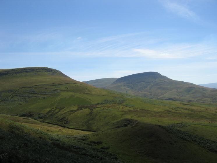 Looking south from the flanks of Murton Pike to Delfekirk Scar and Roman Fell