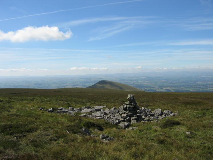Murton Pike from the large cairn near Murton Fell's summit