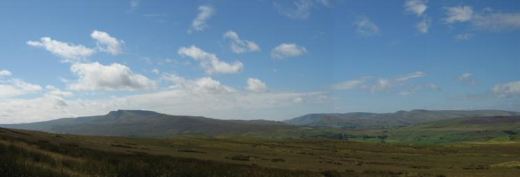 Wild Boar Fell and the Howgills to the west