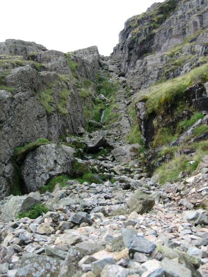 The gully leading to Foxes Tarn