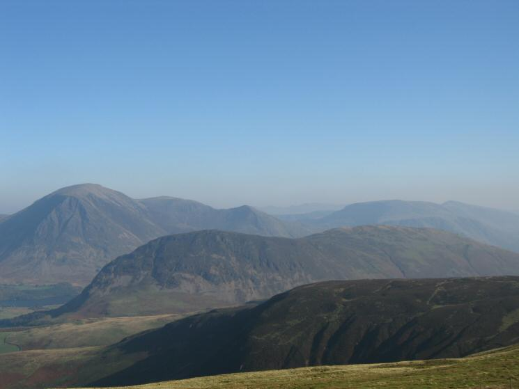 Mellbreak with Grasmoor, Wandope, Whiteless Pike and Robinson behind from Blake Fell