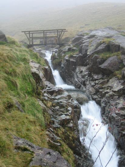 Footbridge across Grains Gill