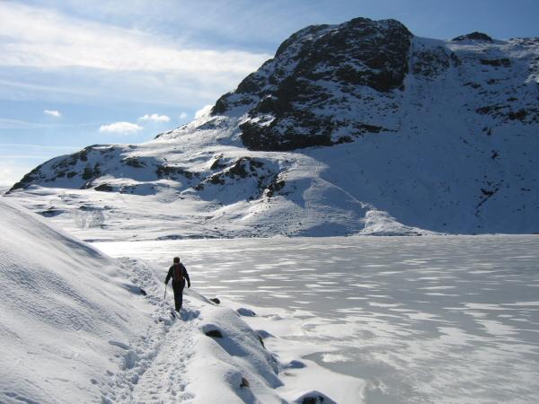 Walking along the edge of Stickle Tarn