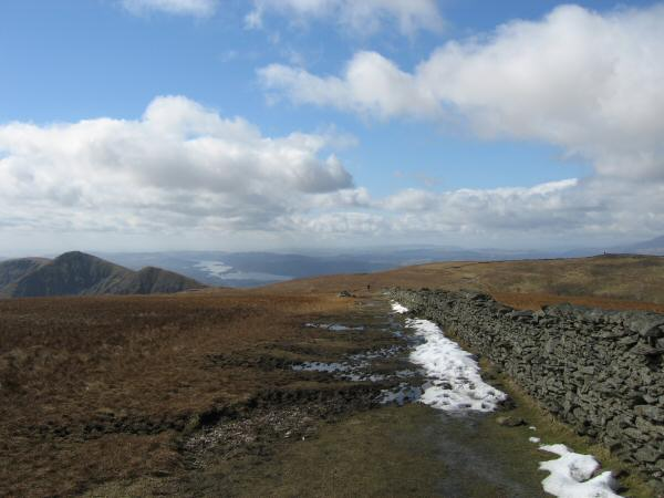 The Ill Bell ridge (left) and Thornthwaite Beacon (right) from  the wall over High Street's summit