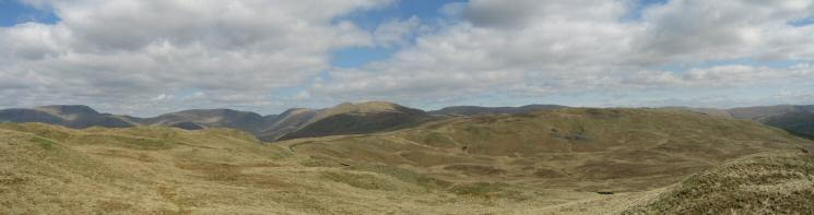 Northerly panorama from Sour Howes summit