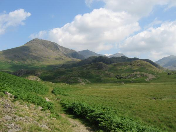 Slight Side and the top of Scafell Pike and Ill Crag come into view