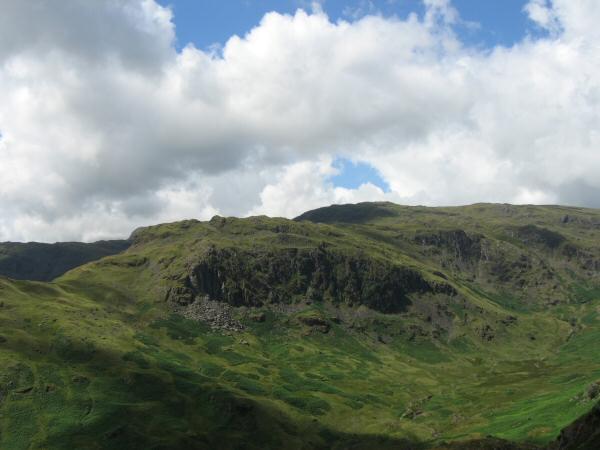 Deer Bields crag on the side of Tarn Crag