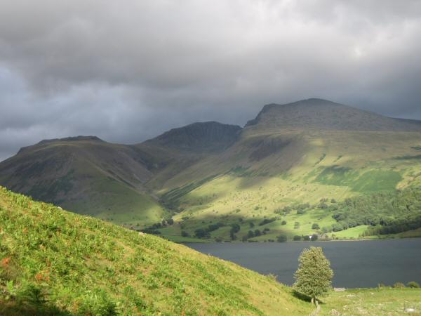 Looking across to Lingmell, Scafell Pike and Scafell from the bottom of Yewbarrow's south ridge