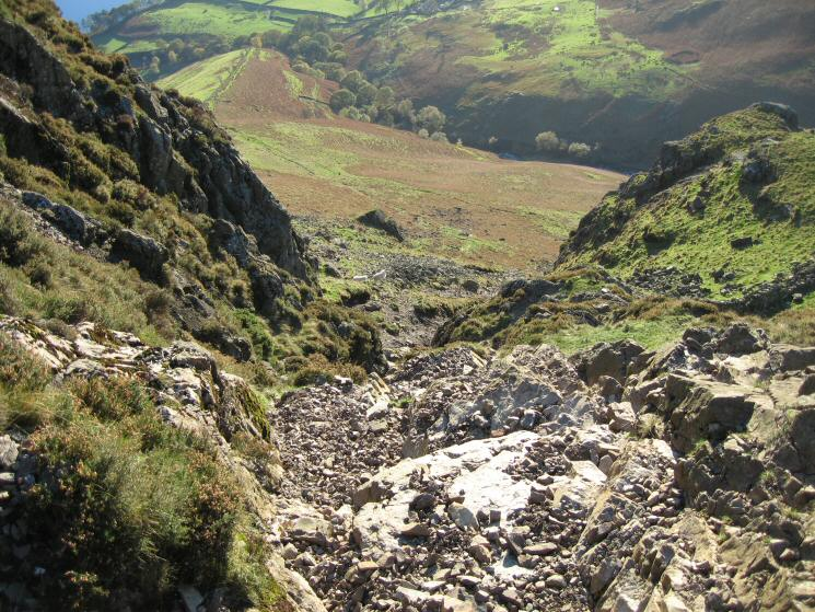 The descent gully off Yewbarrow to the south