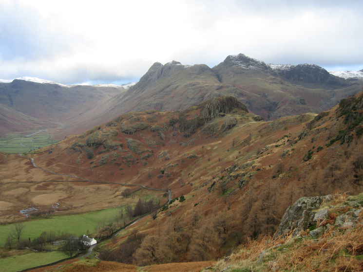 Side Pike with the Langdale Pikes behind. Bleatarn House bottom left