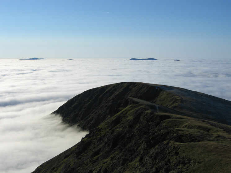 Knowe Crags from Gatesgill Fell Top