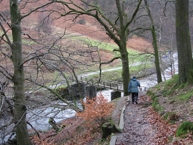 Heading down to the footbridge across the River Rothay near Grasmere's weir