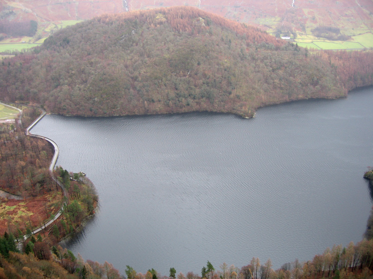 Thirlmere's dam and Great How from Raven Crag