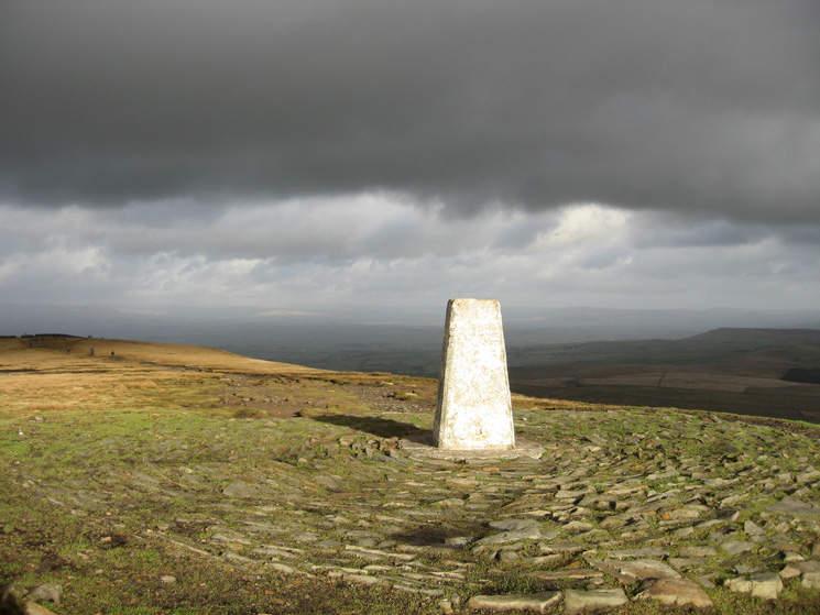 Beacon or Big End - Pendle Hill's summit