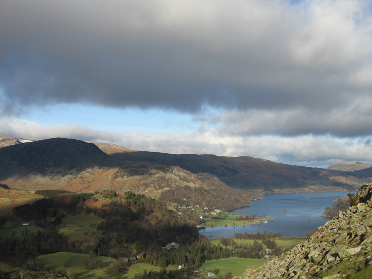 Sheffield Pike and Glenridding Dodd behind Keldas, and Ullswater from the ascent of Arnison Crag